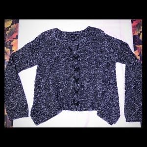 Rue21 gray and white melange cropped sweater, L